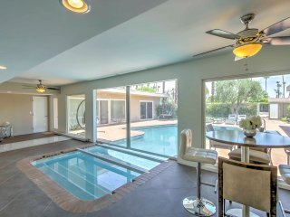Rancho Mirage Home w. Indoor/Outdoor Pool+Mtn View