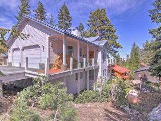 NEW! 5BR Mammoth Lakes House w/ Hot Tub & Deck!