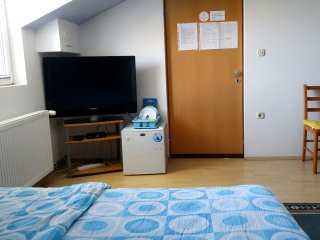 Apartment&Rooms Corina (double ,twin or triple room)  Osijek/Bilje
