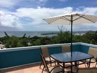 Amazing ocean view. Spacious & private beach house. Come & enjoy the sea breeze!