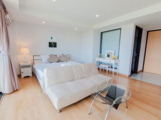 Studio Apartment with SofaBed_5E City & Mountain View - Rocco HuaHin Condominium