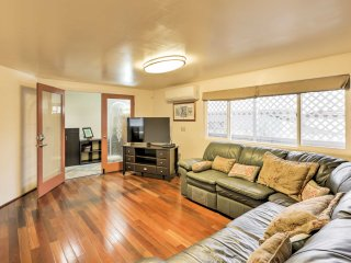 New! Centrally Located 2BR Honolulu House!
