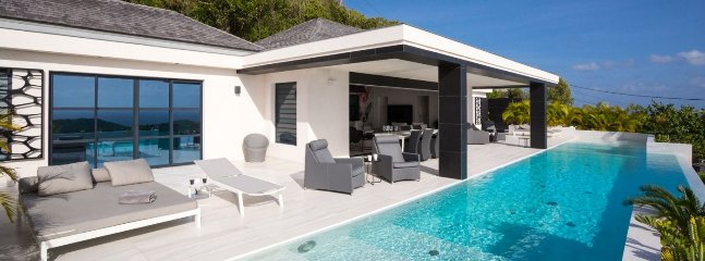 Villa Rose Dog 4 Bedroom (Located On The Quiet Hillside Of Dévé. This Very Nice
