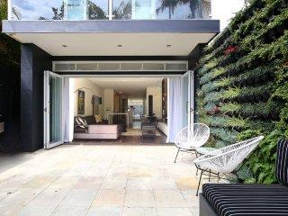 Modern family home close to Bondi Beach