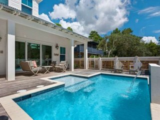 Luxurious Beach Home-Private Pool!! 2.5 blocks to beach-2 Miles to Seaside