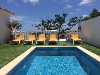 Villa  - Sea Views Private Pool & Bar - 6 Bedrooms