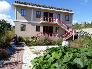Bungalow 50 metres from beach, next to LUX Hotel Grand Gaube