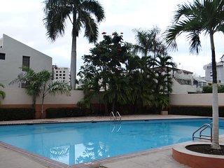 CARIBBEAN SEA BREEZE - Near Airport - Pool - Free Pkg & Wifi - Isla Verde