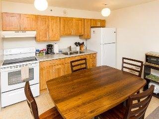 Waikiki Banyan Tower 1 Suite 802 ~ RA136609