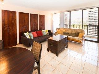 Waikiki Banyan Tower 1 Suite 1813 ~ RA136576