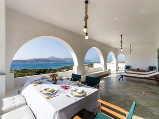 Beachfront Sea Villa in Antiparos!