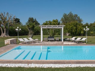 VILLA PEROSCIA with Pool