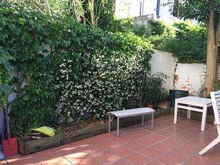 Bordeaux Centre T3 de charme avec jardin