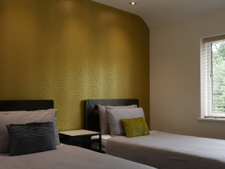 NEC Birmingham Stunning House 3 Bedrooms Wetroom Furnished Boutique style