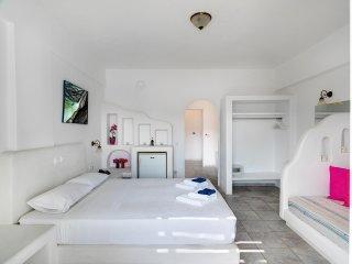 ALONI HOTEL FAMILY ROOM SEA VIEW