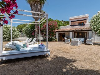 3 BEDROOM, HOUSE IN SALINAS BEACH