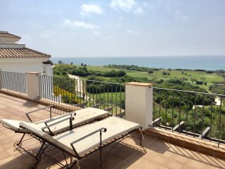 Exclusive location of penthouse with espectacular sea views
