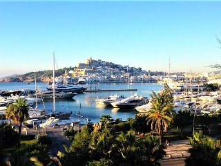 Delicious apt Ibiza City - in Marina Botafoch