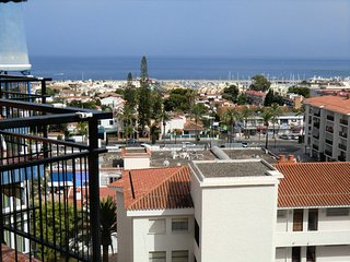 Central Benalmadena apartment overlooking the marina