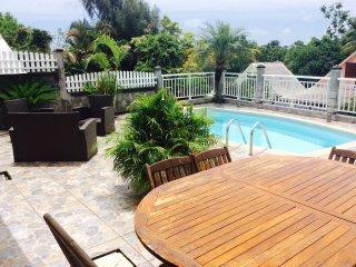Villa créole Chez Yanou avec piscine privée