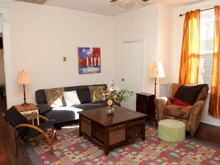 Best Location - 2 Bed off Frankfort Ave