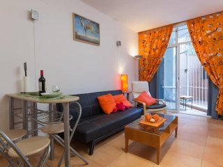 [124] Lovely studio with swimming pool only 700m from the beach