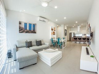 Chic 2BR Penthouse by Happy Address