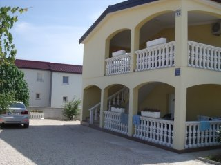 Spacious apartment in Vir with Parking, Internet, Air conditioning, Balcony