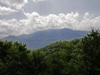 2 Bedroom, Spectacular Mt' LeConte View, Hot Tub, Pool Table, 2 whirlpools