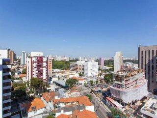Apto proximo ao parque Ibirapuera e estacao de metro
