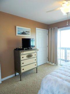 Bedroom, Indoors, Room, Screen, TV