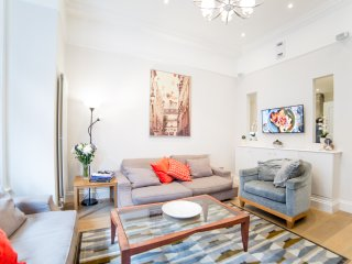 Luxury 2 bed apartment in Chelsea, Central London