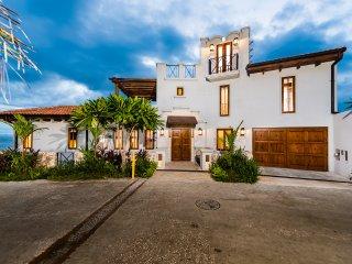 Villa del Sol - beautiful 4 bdr home with panoramic views at Las Catalinas
