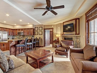 #7304: Ski-in/Ski-Out 3 Bd Condo at the Base of Peak 7! ~ RA134246