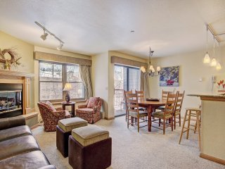 #W314: 2 Bed/2 Bath +Den Condo in the heart of Breckenridge! ~ RA140649
