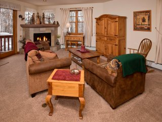 Private Avon Townhome Along the Eagle River. Sleeps 8! ~ RA143813