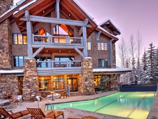 4 bedroom condo, Ski-in/Ski-out in Bear Paw Lodge. Sleeps 10 ~ RA143814