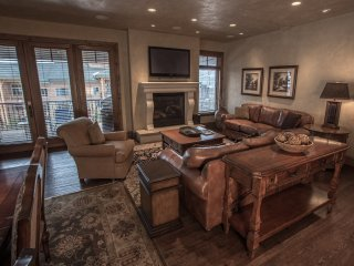 Spacious townhome alongside America's largest ski resort