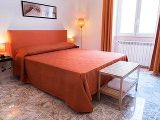 Bed & Breakfast Michelangelo - Camera matrimoniale Orange, bagno condiviso