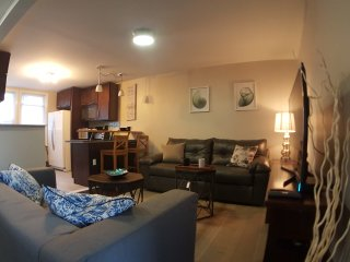 TruXcape-3BR *Heart of Downtown Jersey City at Grove PATH *5mins to Manhattan