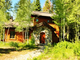 2 Bedroom Cottage is Perfect Mountain Gettaway ~ RA144947