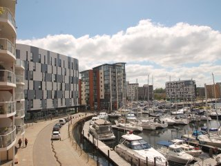 Neptune Square - 2 Bedroom Apartment with marina views