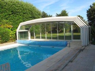 Villa spacieuse lumineuse avec piscine chauffée, patio, parc. Bigorre/Madiran