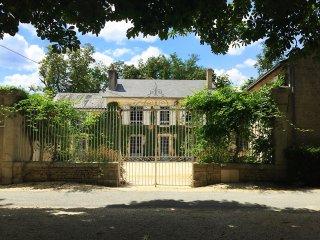 Pavillon, le gite du Buis au Domaine des Tilleuls, 10 minutes du Futuroscope
