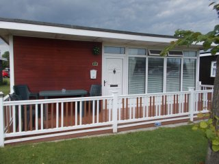 Chapel St Leonards 2 Bedroom Chalet sleeps 5