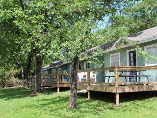 Driftwater Resort (cabin#15) on Lake Taneycomo