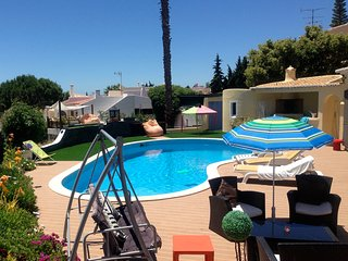 Family friendly villa with large pool 5 mins from sea.
