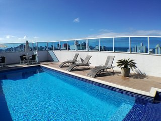 New Luxury Apartment - 3 x Air-cond., Pool, Sauna, BBQ - Free WiFi & Transfer!