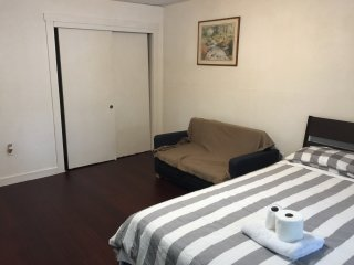 Private and Nice Room Close to T and Boston (1D)