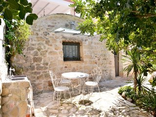 Cozy villa in the center of Ostuni with Parking, Internet, Air conditioning, Gar